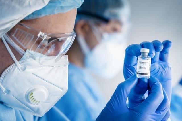 Covid-19 bùng phát mạnh ở những nước tiêm chủng nhiều nhất thế giới - 1