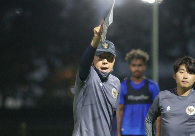 Sếp lớn đòi hạ gục đội tuyển Việt Nam, HLV Indonesia tuyên bố bất ngờ - 1
