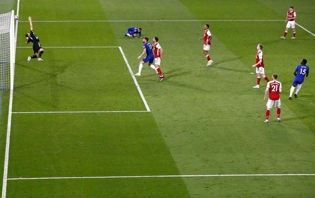 Jorginho, Kepa phạm sai lầm, Chelsea trắng tay trước Arsenal - 5