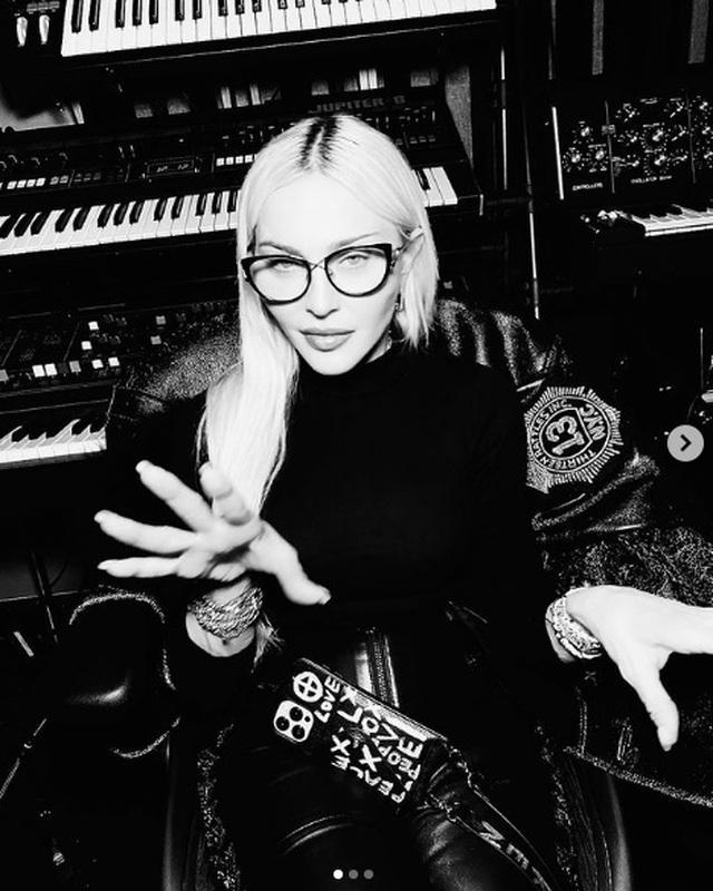 Madonna trẻ đẹp ngỡ ngàng ở tuổi 63 - 7