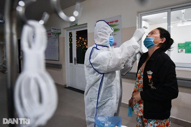 TPHCM: Cách ly gần 5.000 người có nguy cơ nhiễm SARS-CoV-2 - 3