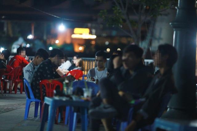 Quán nhậu Sài Gòn xập xình, nhộn nhịp bất chấp lệnh cấm tụ tập đông người - 9