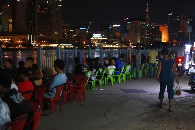 Quán nhậu Sài Gòn xập xình, nhộn nhịp bất chấp lệnh cấm tụ tập đông người - 7