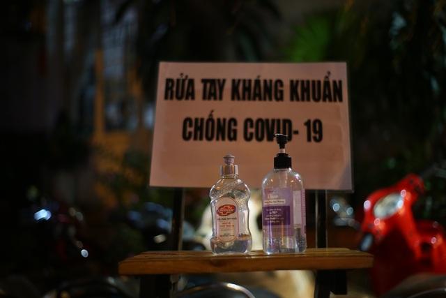 Quán nhậu Sài Gòn xập xình, nhộn nhịp bất chấp lệnh cấm tụ tập đông người - 11