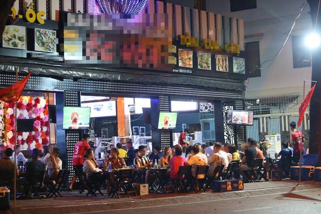 Quán nhậu Sài Gòn xập xình, nhộn nhịp bất chấp lệnh cấm tụ tập đông người - 3
