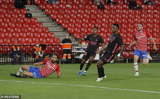 Real Madrid vượt mặt Barcelona, nuôi mộng đua vô địch cùng Atletico - 4