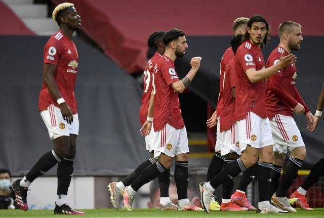 Trọng tài quay lưng, Liverpool vẫn thắng ngoạn mục trước Man Utd - 5