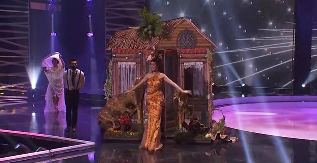 Khánh Vân hoàn tất đêm thi trang phục dân tộc ở Hoa hậu Hoàn vũ - 3