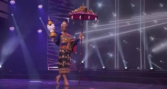 Khánh Vân hoàn tất đêm thi trang phục dân tộc ở Hoa hậu Hoàn vũ - 11