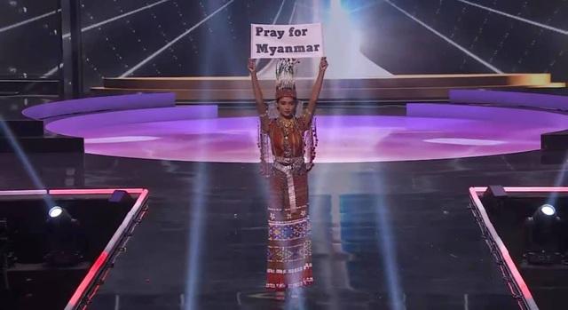 Khánh Vân hoàn tất đêm thi trang phục dân tộc ở Hoa hậu Hoàn vũ - 13