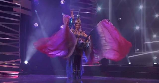 Khánh Vân hoàn tất đêm thi trang phục dân tộc ở Hoa hậu Hoàn vũ - 9