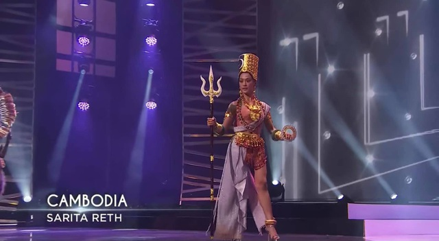 Khánh Vân hoàn tất đêm thi trang phục dân tộc ở Hoa hậu Hoàn vũ - 8