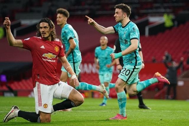 Trọng tài quay lưng, Liverpool vẫn thắng ngoạn mục trước Man Utd - 9