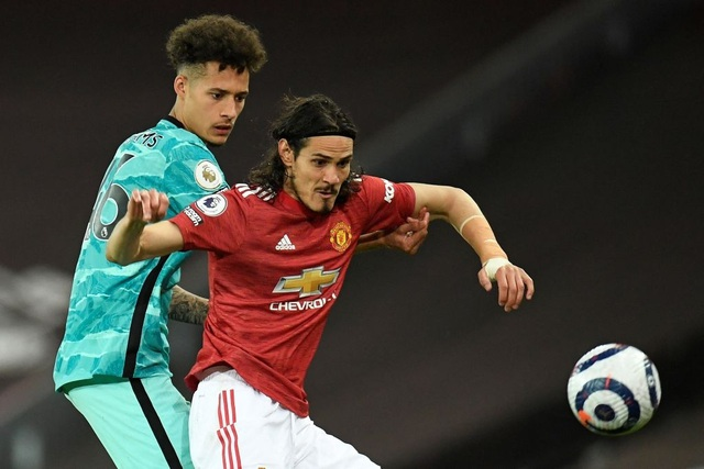 Trọng tài quay lưng, Liverpool vẫn thắng ngoạn mục trước Man Utd - 15