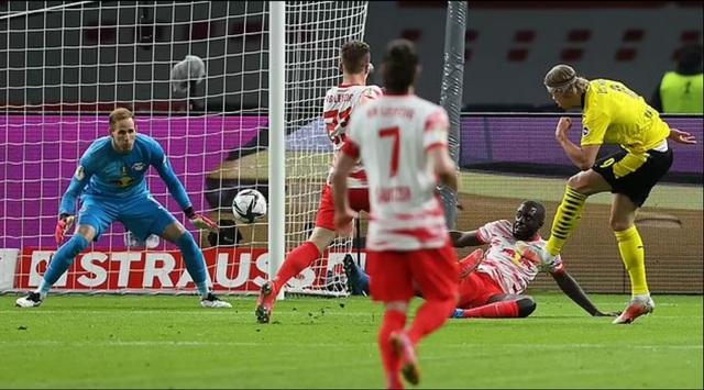 Sancho, Haaland tỏa sáng giúp Dortmund vô địch Cúp Quốc gia Đức - 4