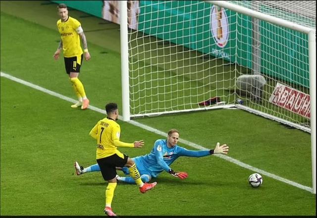 Sancho, Haaland tỏa sáng giúp Dortmund vô địch Cúp Quốc gia Đức - 2