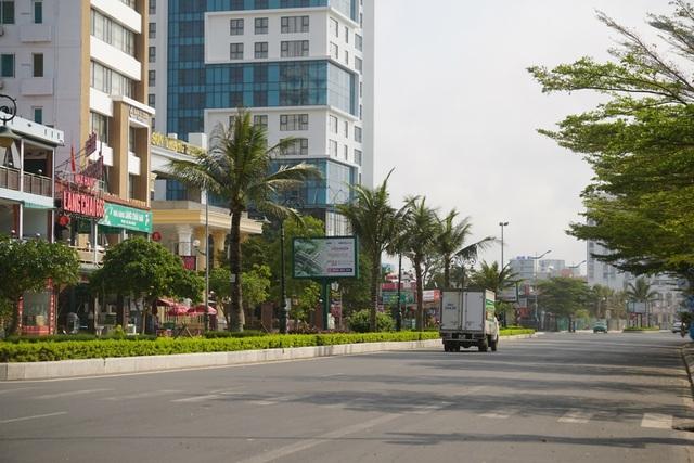 Thành phố biển Sầm Sơn ngủ đông ngay những ngày đầu hè - 2