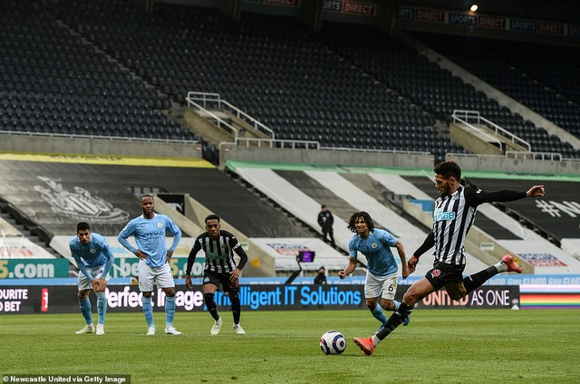 Ferran Torres lập hattrick trong chiến thắng nghẹt thở của Man City - 5