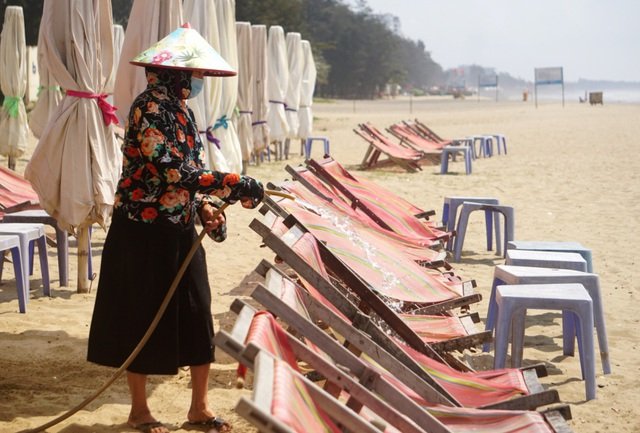 Thành phố biển Sầm Sơn ngủ đông ngay những ngày đầu hè - 8