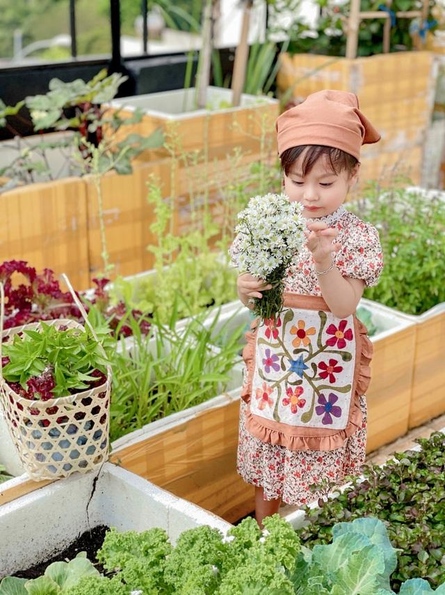 Mẹ đảm ở Đắk Lắk biến sân thượng thành studio nông trại đẹp mê - 1