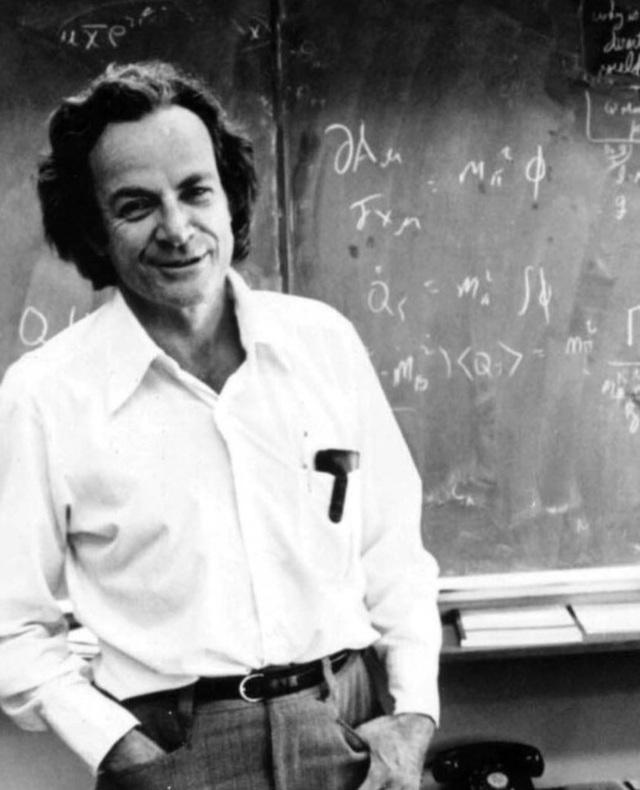 Ngã ngửa với những thói quen lạ đời của các nhà khoa học nổi tiếng - 2
