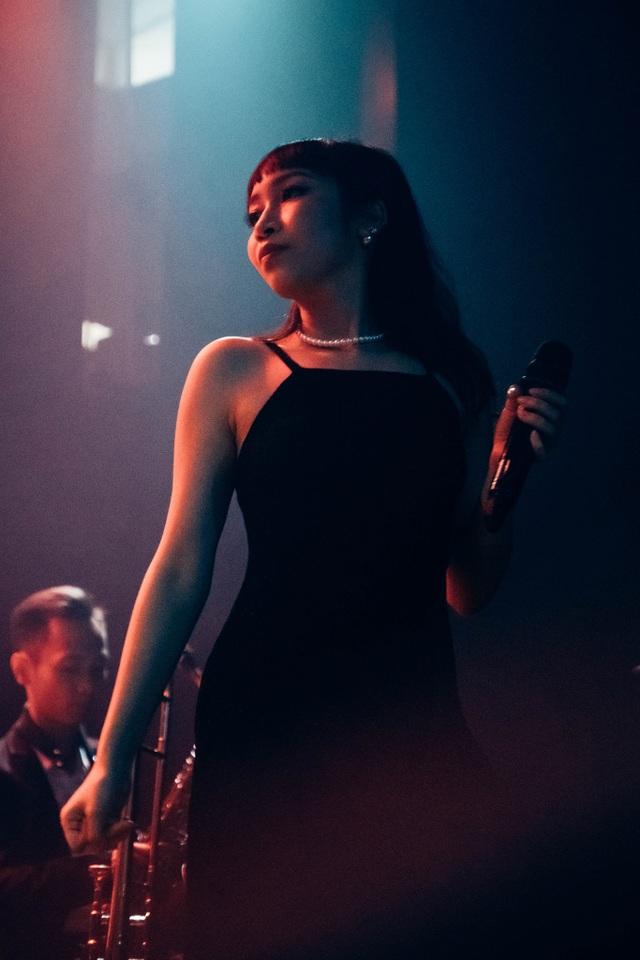 Con gái Diva Mỹ Linh xin lỗi vì bức ảnh khoe vòng ba bị chê phản cảm - 2