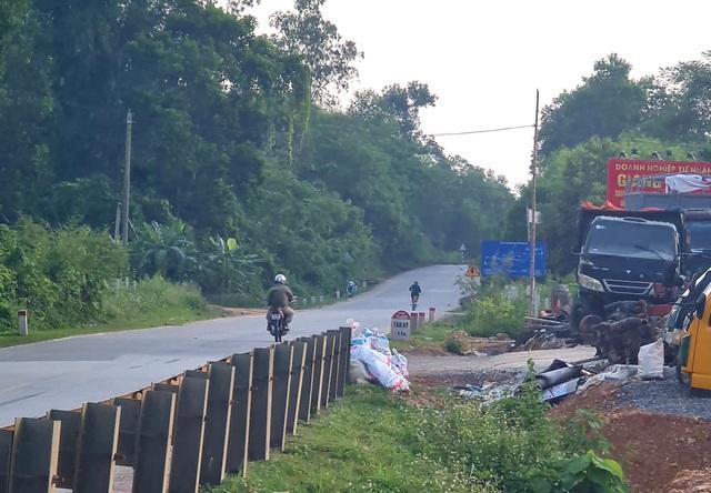 Xưởng mổ xe ô tô nuốt hành lang đường Hồ Chí Minh - 6