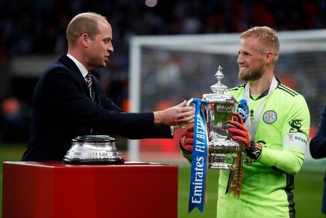 Sau 137 năm chờ đợi, Leicester đã ghi tên vào lịch sử FA Cup - 10