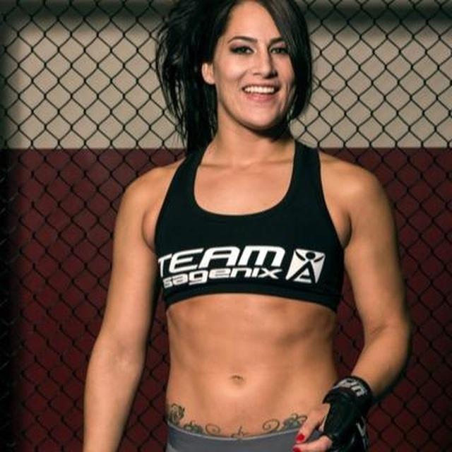 Điểm danh những nữ võ sĩ MMA xinh đẹp, gợi cảm nhất thế giới - 4