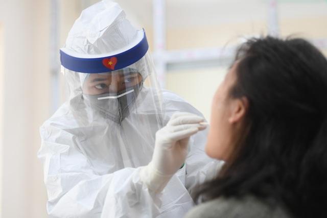 Hà Nội: Kết quả xét nghiệm Covid-19 hơn 10.000 người về từ Đà Nẵng - 1