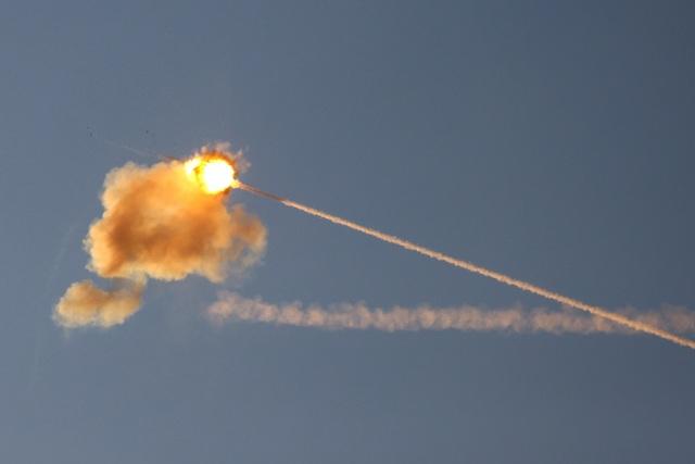 Mỹ duyệt lô vũ khí khủng cho Israel giữa lúc chảo lửa Gaza nóng rực - 1