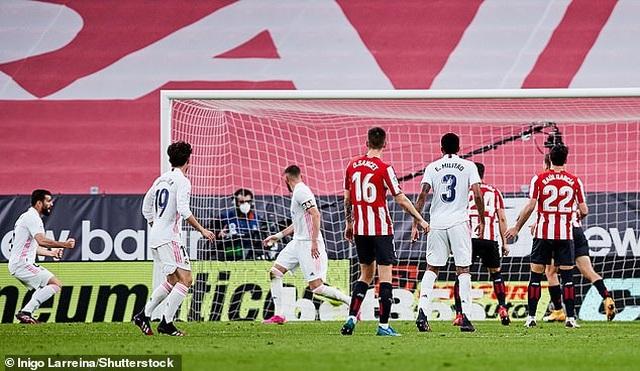 Atletico và Real Madrid thắng nghẹt thở, Barcelona tan mộng vô địch La Liga - 6