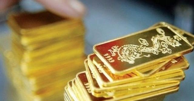 Giá vàng dồn dập tăng, các ngân hàng mua hơn 95 tấn trong 3 tháng - 1