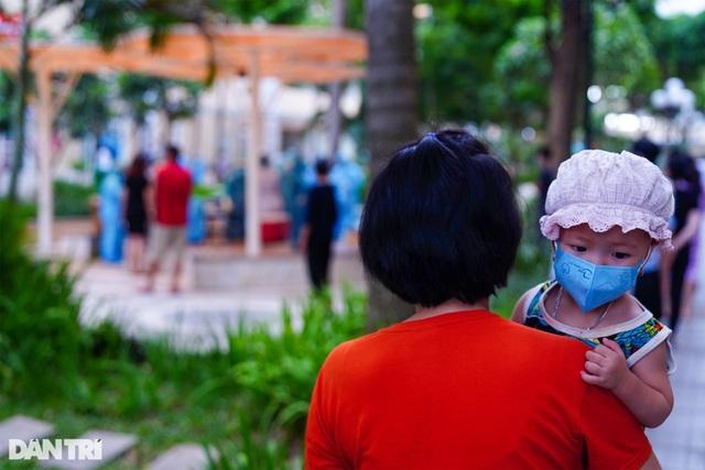 TPHCM: Sẽ lấy mẫu xét nghiệm 6.000 cư dân chung cư SunView Town tới hết đêm - 4