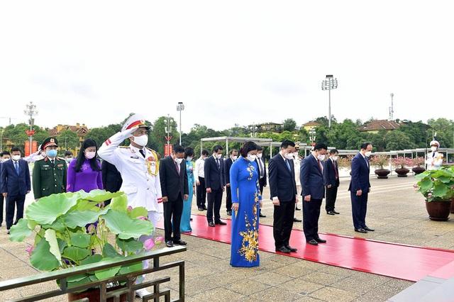Đoàn lãnh đạo Đảng, Nhà nước vào Lăng viếng Chủ tịch Hồ Chí Minh - 9