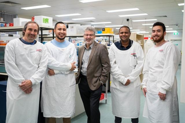 Australia tìm ra cách tiêu diệt 99,9% virus SARS-CoV-2 trong phổi bệnh nhân - 1