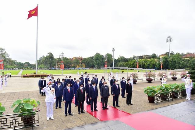 Đoàn lãnh đạo Đảng, Nhà nước vào Lăng viếng Chủ tịch Hồ Chí Minh - 3