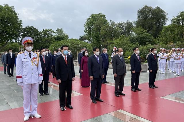 Đoàn lãnh đạo Đảng, Nhà nước vào Lăng viếng Chủ tịch Hồ Chí Minh - 5