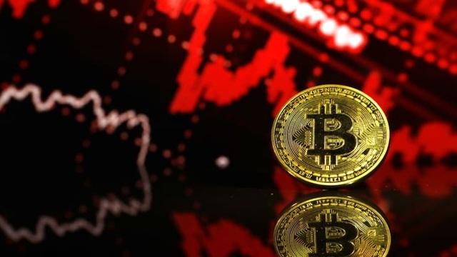 Bitcoin bị bán tháo, lao dốc không phanh, chạm mức giá 30.000 USD