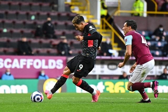 Thổi bay Burnley, Liverpool chen chân vào top 4 Premier League - 2