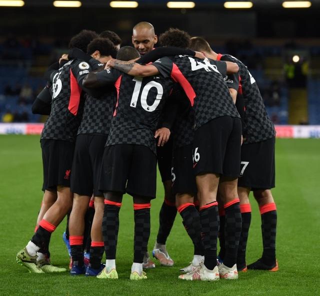 Thổi bay Burnley, Liverpool chen chân vào top 4 Premier League - 4