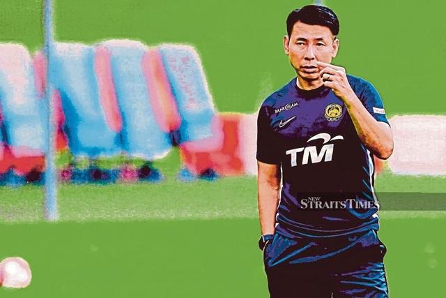 Ronaldinho khiến đội tuyển Malaysia gặp rắc rối khó đỡ - 2