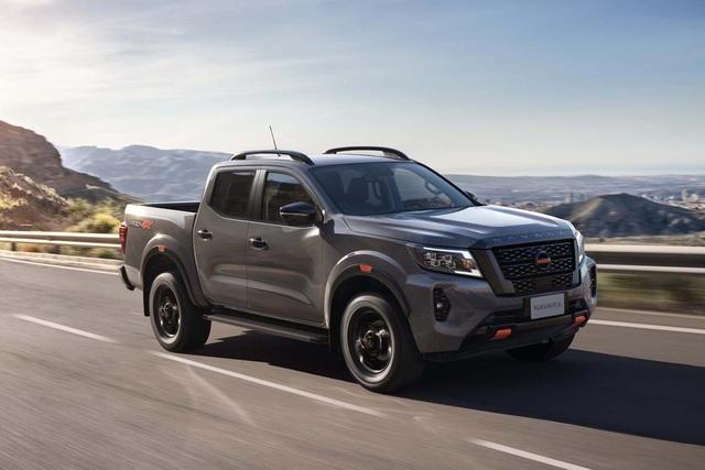 Nissan Navara 2021 về Việt Nam giá từ 748 triệu đồng, đấu Ford Ranger - 1