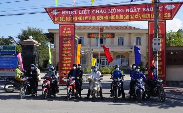 Bình Định kêu gọi ngư dân đánh bắt xa bờ kịp về bầu cử - 3