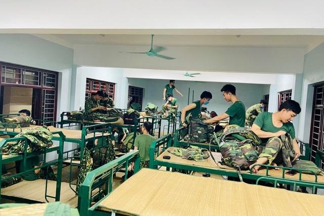 Sinh viên xuất quân chi viện điểm nóng Covid, hàng ngàn HS,GV phải cách ly - 3