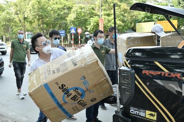 Ca sĩ Tùng Dương trao 460 triệu đồng ủng hộ Bắc Ninh, Bắc Giang - 2