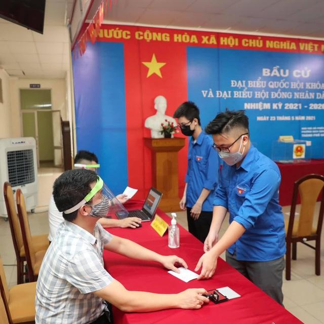 Sinh viên Báo chí chia sẻ niềm vui khi lần đầu đi bầu cử - 5
