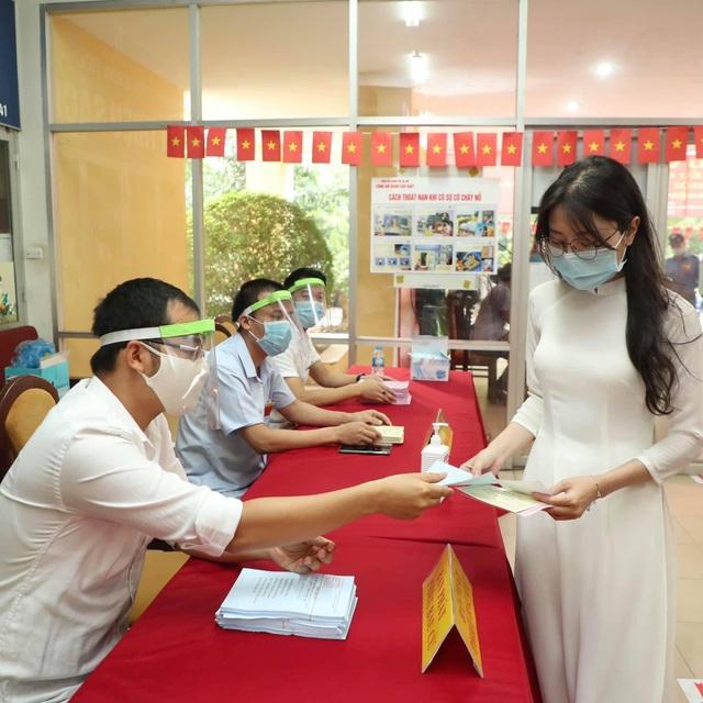 Sinh viên Báo chí chia sẻ niềm vui khi lần đầu đi bầu cử - 4