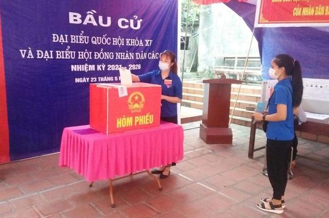 Thanh niên Thủ đô hăng hái ra quân hỗ trợ các điểm bầu cử - 5