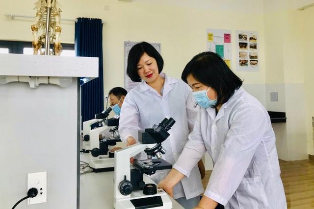 Nữ tiến sĩ xuất sắc, tận tụy với nghề của Trường Cao đẳng Lào Cai - 3
